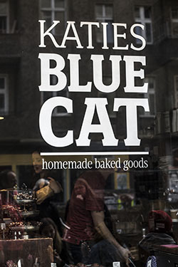 katie's Blue cat cafe
